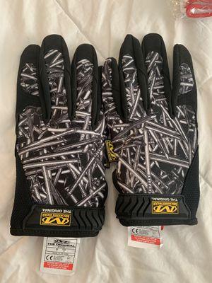 Supreme mechanix work gloves for Sale in Auburn, WA