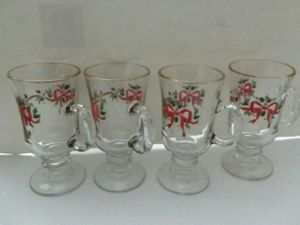4 LIBBY'S COLLECTIBLE GOLD TRIM RIBBON & BOW MUGS for Sale in Elsmere, DE