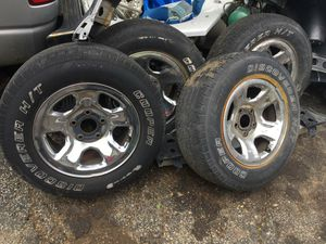 """2005 set of 4 Dodge Ram 1500 steel rims 17"""" for Sale in Justice, IL"""