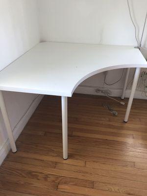 Corner desk for Sale in Indian Creek, FL