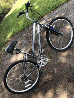 "26"" RALEIGH SC40 Women bike - 21 Speeds - Front and Seat Suspension. BEAUTIFUL BIKE ‼️ for Sale in Hialeah, FL"