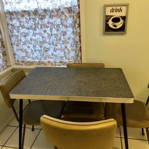 Retro Kitchen Table for Sale in National City, CA