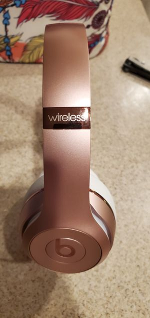 Beats Solo3 wireless for Sale in Apple Valley, CA