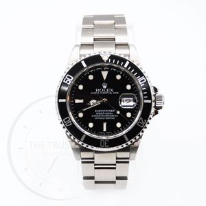 ROLEX SUBMARINER 16610 full box & papers for Sale in Miami, FL