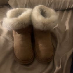 women's uggs for Sale in Raleigh,  NC