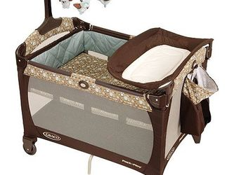 Graco Pack And Play for Sale in Covington,  WA