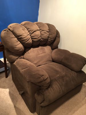 over-sized recliner for Sale in Hobe Sound, FL
