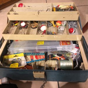 Vintage Plano Tackle Fishing Box (full) for Sale in Hesperia, CA