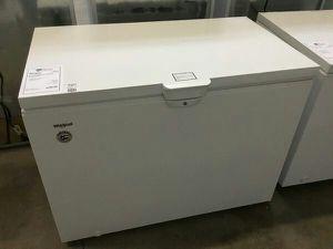 New Whirlpool 15 CuFt Chest Freezer w/ Storage Baskets for Sale in Chandler, AZ