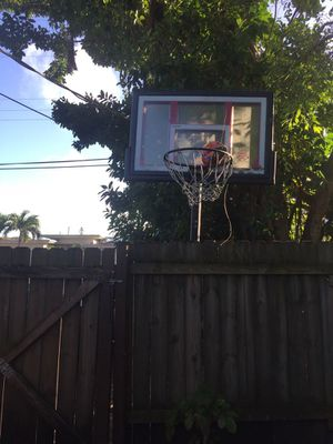 Lifetime basketball hoop black for Sale in Miami Beach, FL