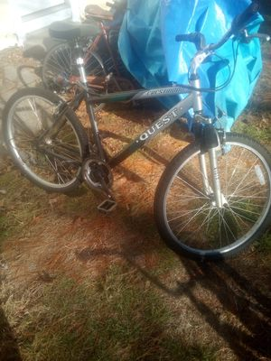 Recommended bike in good condition 26-inch men's bike it's in very good condition for Sale in Lincoln, RI