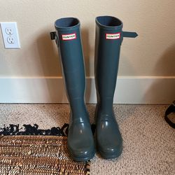 Grey Rain Boots W8 for Sale in Portland,  OR