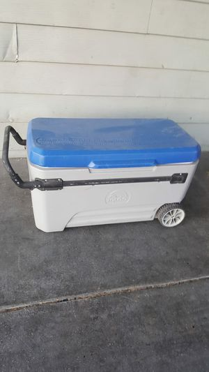 Xlarge ice cooler for Sale in Las Vegas, NV