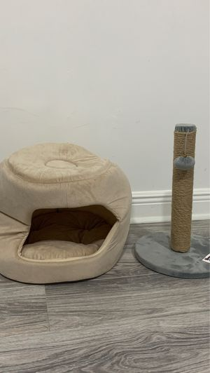 cat bed with cat toy for Sale in Hialeah, FL