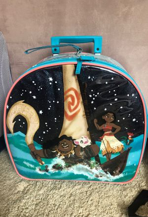 Disney Moana Rolling Light-Up Luggage for Sale in Clovis, CA