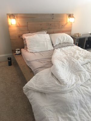Wooden weathered grey platform bed frame (full sized) for Sale in Washington, DC