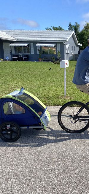 Instep bike trailer 2 seats for Sale in Tamarac, FL