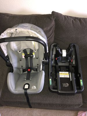 Baby Jogger City Go car seat/ base for Sale in Puyallup, WA