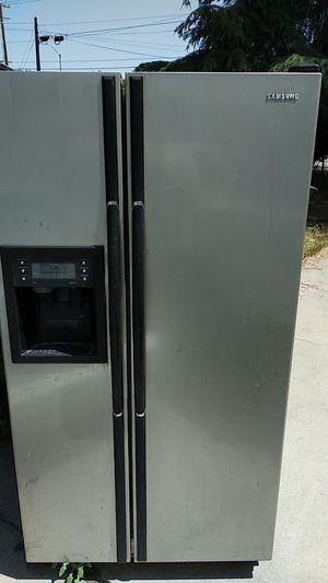 Samsung Refrigerator for Sale in Chino, CA