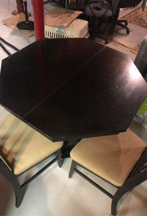 Drexel Heritage kitchen table and chairs for Sale in Toms River, NJ
