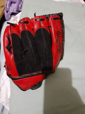 Rawlings R.E.D. Youth Baseball Glove $20.00 cash only (serious buyers) for Sale in Dallas, TX