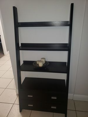 Ladder book shelf for Sale in Fort Lauderdale, FL