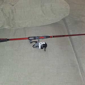 "Abu Garcia MaxZ 40. Paired With A 7'3"" Ugly Stick CARBON ROD for Sale in Dayton, TX"