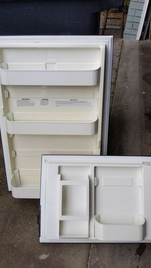Dometic RV refrigerator and freezer doors for Sale in NEW PRT RCHY, FL