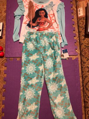 Moana sleeping set size 7/8 for Sale in Lilburn, GA