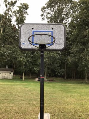 Basketball Hoop Lifetime Brand for Sale in PORT JEFF STA, NY