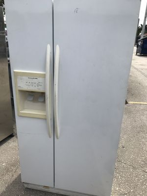 KitchenAid Refrigerator Side by Side White Model KSRP22FNWH00 for Sale in Hollywood, FL
