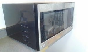 LG microwave oven for Sale in Alexandria, VA