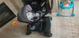 Graco Snugride snuglock 35 & Uno2Duo stroller for Sale in Las Vegas, NV