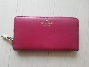 Kate Spade Leather Continenal Wallet - Magenta for Sale in Redmond, WA