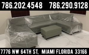 Large U sectional sofa couch for Sale in Miami, FL