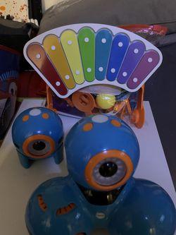 Wonder Workshop Dot And Dash Robot Wonder Pack for Sale in Queens,  NY