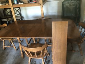 Retro style dining set with table expandable to 74 and 84 inches with two inserts and 4 captain's chairs for Sale in Overland Park, KS