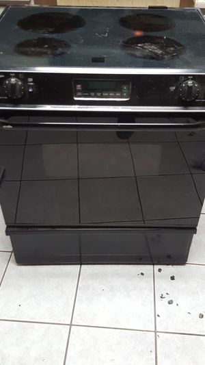 Whirlpool stove movie can't take it for Sale in Phoenix, AZ