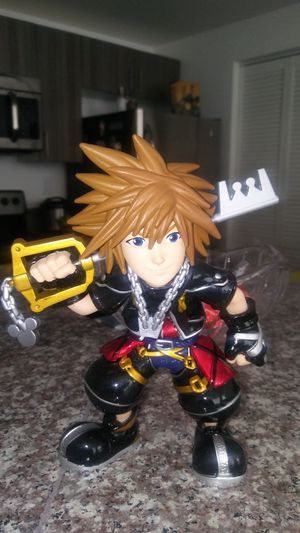 Kingdom Hearts Sora 6 inch Metalfig ( Box included) for Sale in Miami, FL