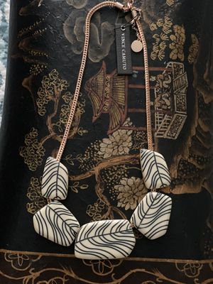 Nice Vince camuto necklace for Sale in Sugar Land, TX