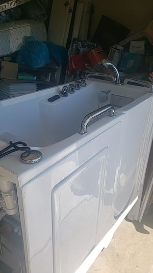 Hot tub for Sale in HUNTINGTN BCH, CA