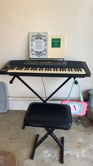 GEM PK5 keyboard, music books, adapter Manual Seat and stand for Sale in Claremont, CA