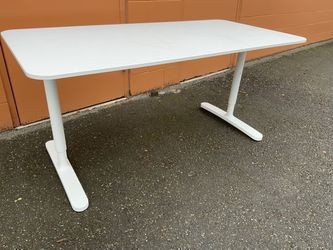Nice Adjustable Height Desk - Delivery Available for Sale in Tacoma,  WA