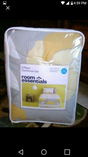 $15 Pretty 2pc twin comforter set new for Sale in Bronx, NY
