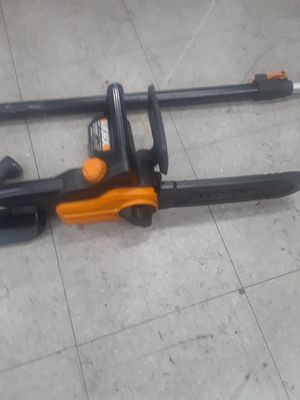 Electric chainsaw with adustable poll. for Sale in El Cajon, CA