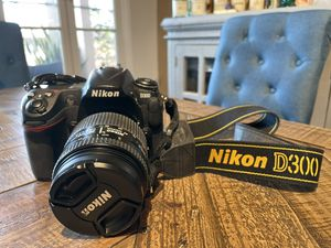 Nikon D300 DSLR w/ Nikon AF Nikkor 28-105mm 3.4-4.5D for Sale in Culver City, CA