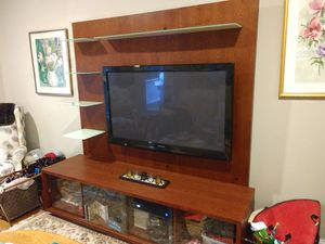 TV console for Sale in Shelton, CT