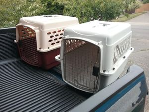 """Medium Dog Kennel Crate Carrier Airline Approved like New 28"""" L by 20"""" W by 24"""" H $35 Each for Sale in Federal Way, WA"""