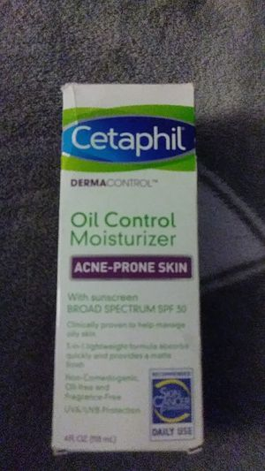 $10 Cetaphil Derma control oil control moisturizer acne-prone skin with sunscreen bored Spectrum SPF30 (recommended Skin Cancer Foundation daily use) for Sale in Sacramento, CA