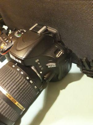 Nikon D5100 camera for Sale in Las Vegas, NV
